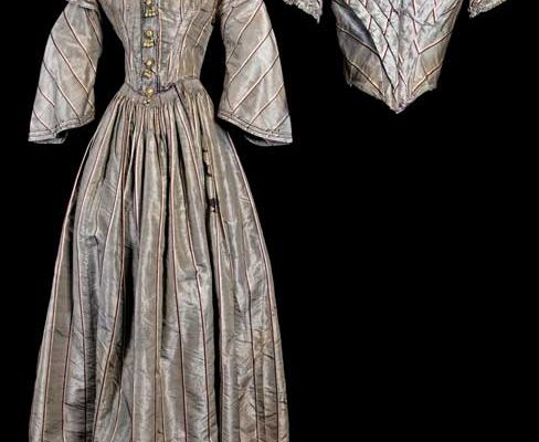 two-piece-transformation-dress-circa-1860