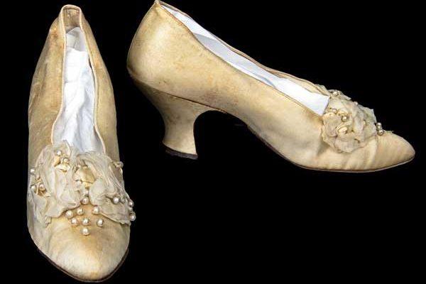 white-satin-beaded-bow-pumps-circa-1915