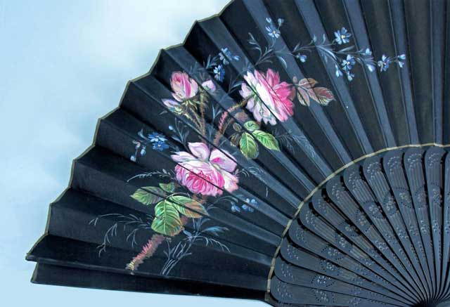 silk-fan-with-painted-floral-decoration