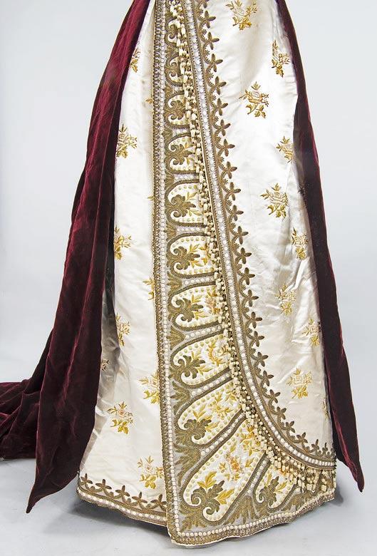 velvet-and-satin-gown-circa-1897-3
